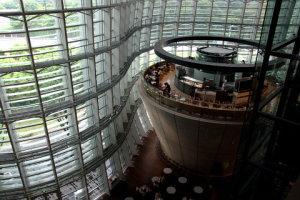 国立新美術館内部